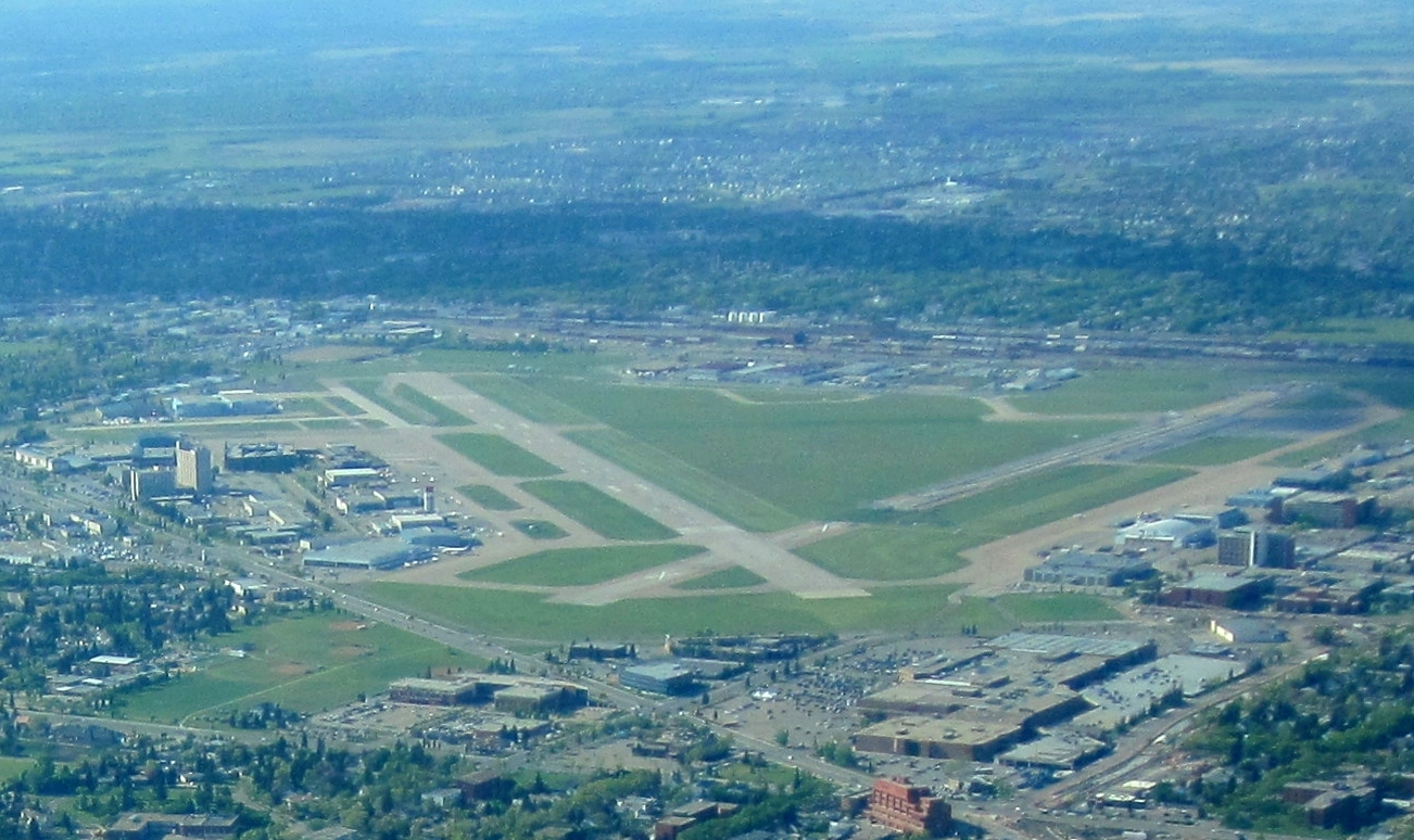 Edmonton_City_Centre_Airport
