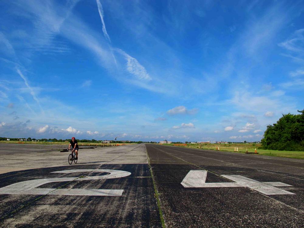 floydbennettfield_bikerunway